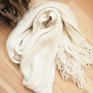 White Shimmer Cable Knit Tassle Scarf